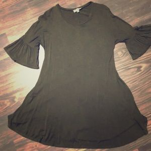 Umgee Green Dress with Flute Sleeves Size Small